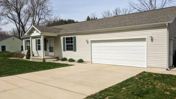 684 Lighthouse Dr<br>Coldwater, MI 49036