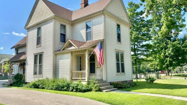 209 N Clay St<br>Coldwater, MI 49036
